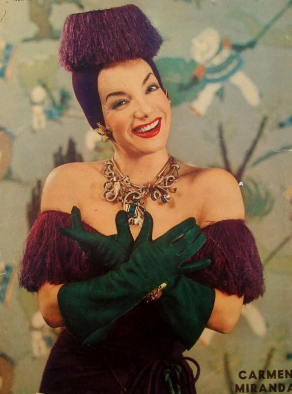 Foto de Carmen Miranda publicada pelo New York Sunday News, em 1943.