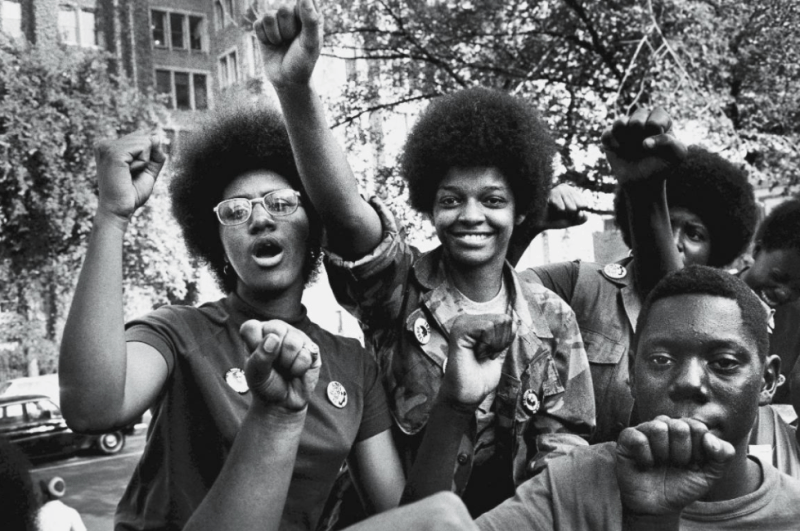 """Jovens no """"Revolutionary People's Party Constitutional Convention"""", em 1970."""