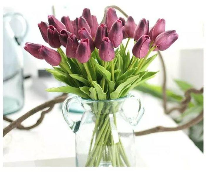 Flores artificais.