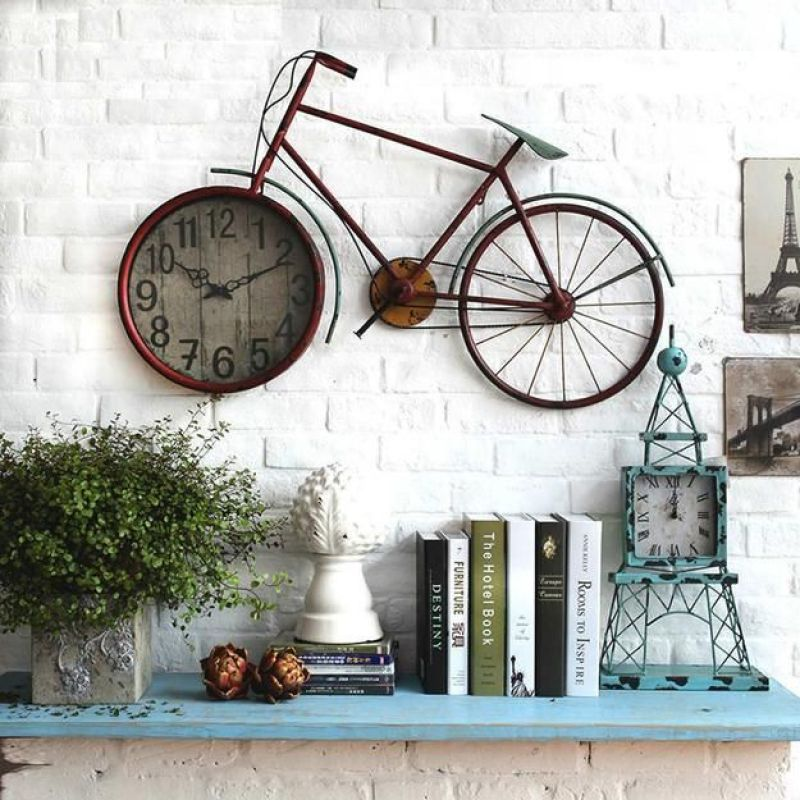 Bicicleta na parede.