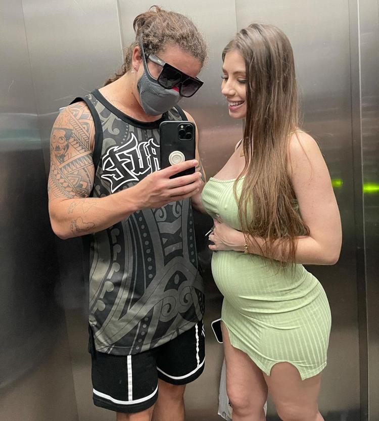 Maria Lina grávida.