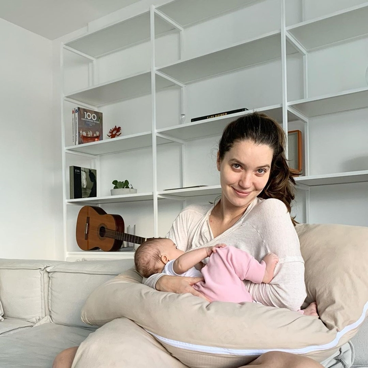 Dia das mães: Nathalia Dill e filha.