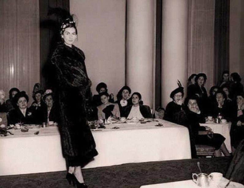 Desfile de moda de Madame Rosita.