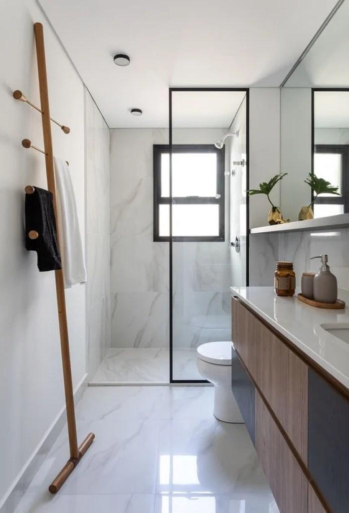 Banheiro minimalista.