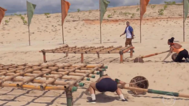 Ariadna enfrenta Jéssica em desafio de No Limite (imagem: Reprodução Globo)