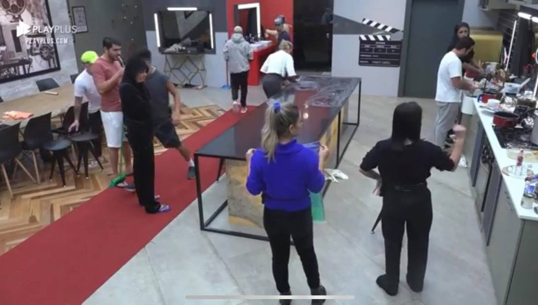 """Participantes do Power Couple """"se tocam"""" e decidem limar a mansão (imagem: divulgação)"""
