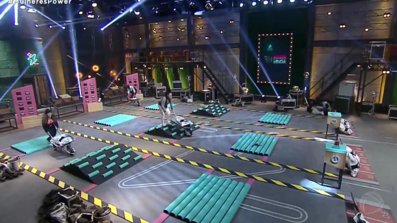 Esposas competem para vencer as apostas dos maridos na Prova das Mulheres no Power Couple (imagem: Reprodução Record TV)