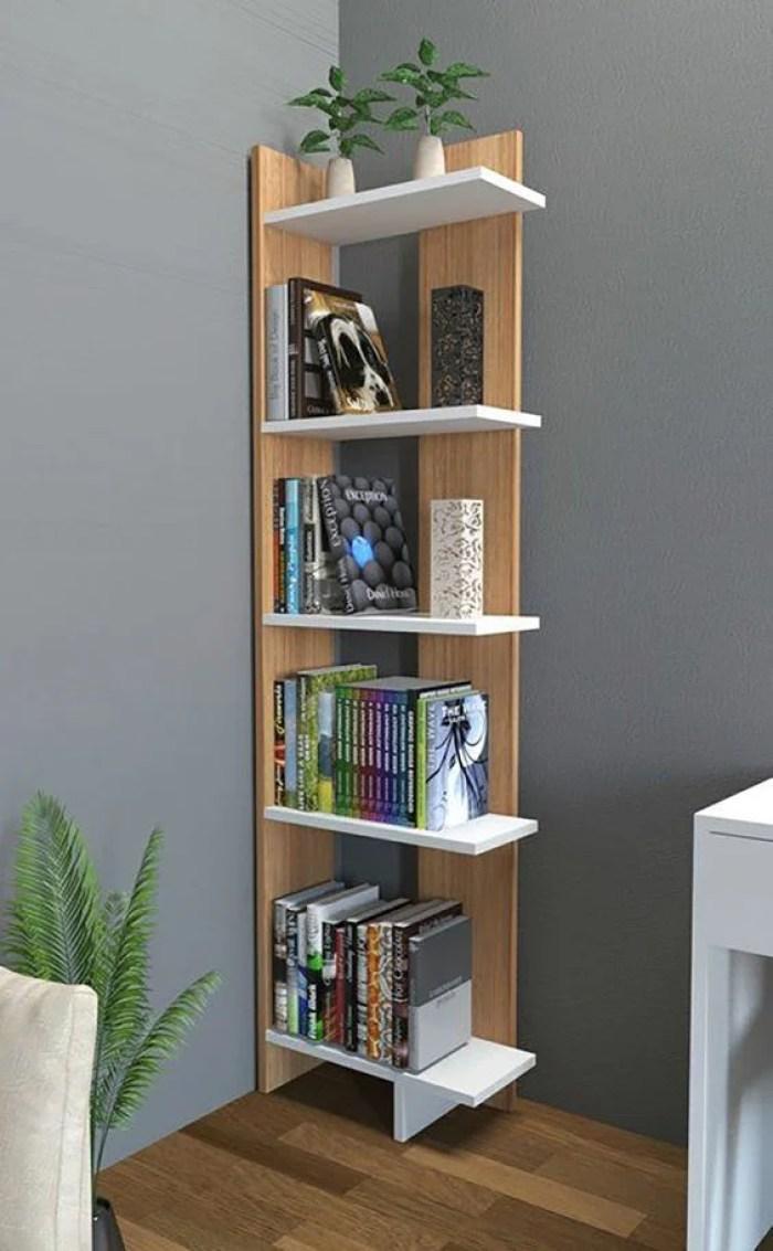 Prateleira para quarto com livros.