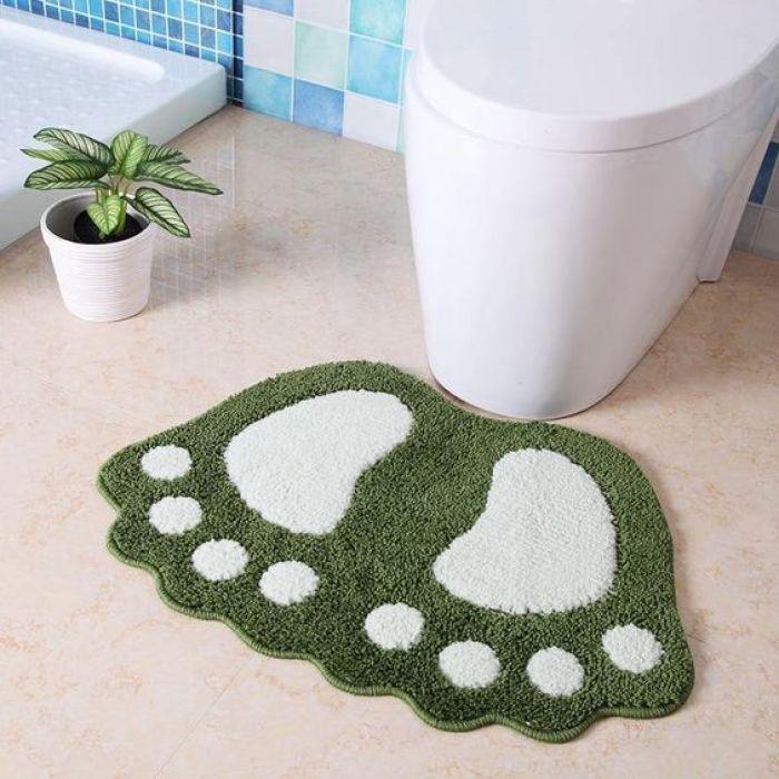 Tapete para banheiro criativo.