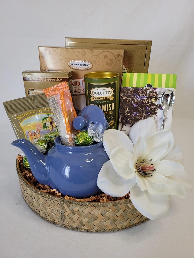 cesta de presente com chá e bule