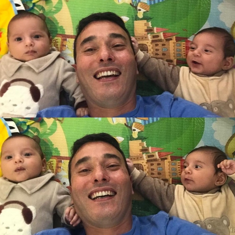 Foto do esposo de Andréia Sadi e seus filhos.