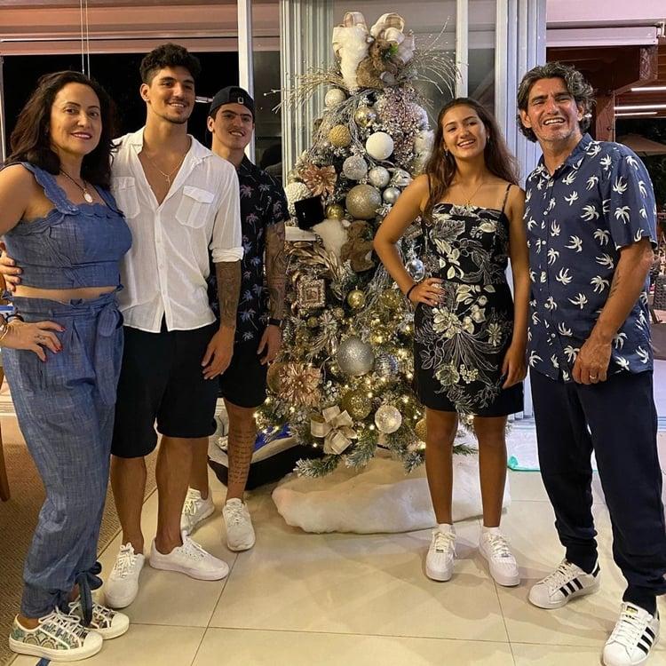 Foto da família do atleta.