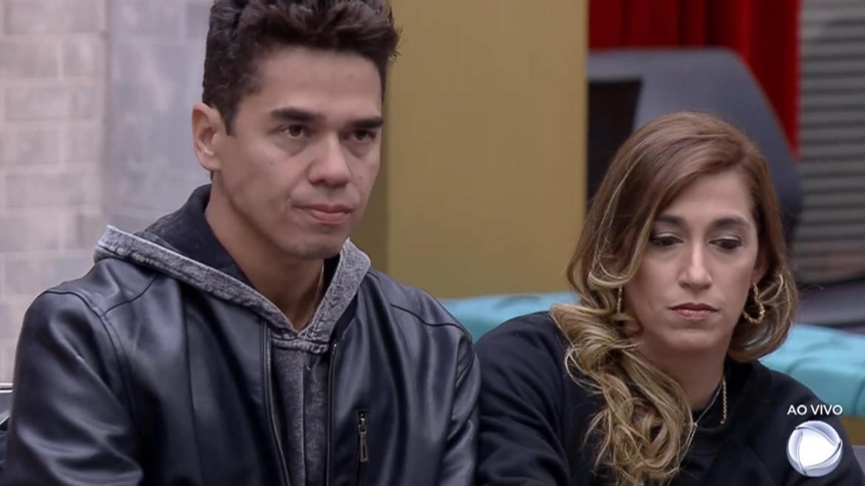 """Dani e Fábio """"escolhem"""" lado do jogo e criam climão durante a Adriane durante a formação da 8ª DR no Power Couple (montagem: Fashion Bubbles)"""
