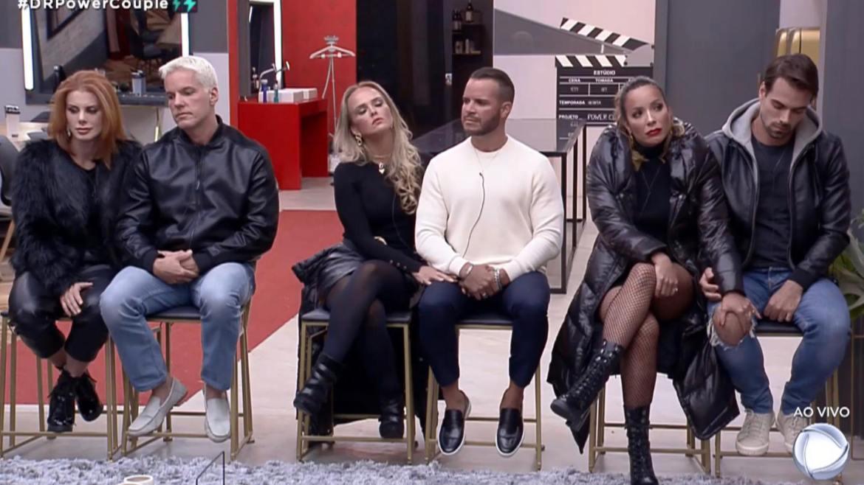 Deborah e Bruno, Nina e Filipe e Renata e Leandro estão na 8ª DR do Power Couple (imagem: reprodução/ Record TV)