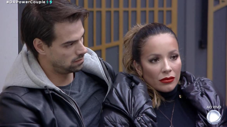Renata e Leandro ficam abalados com os votos da casa (imagem: reprodução/ Record TV)