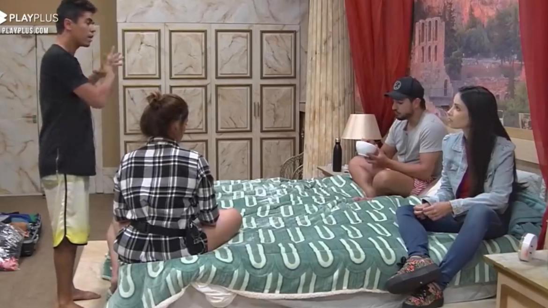 Fábio pede desculpas à Thiago e Geórgia pela atrapalhada no Jogo da Discórdia (imagem: Record TV)