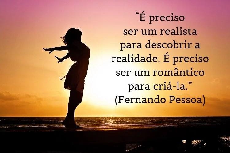 frase de Fernando Pessoa com silhueta de mulher e pôr-do-sol ao fundo