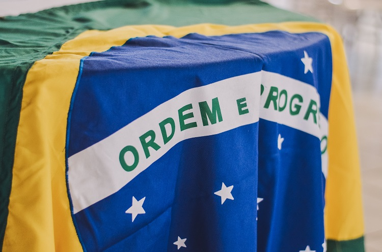 Foto de bandeira do Brasil no 7 de setembro
