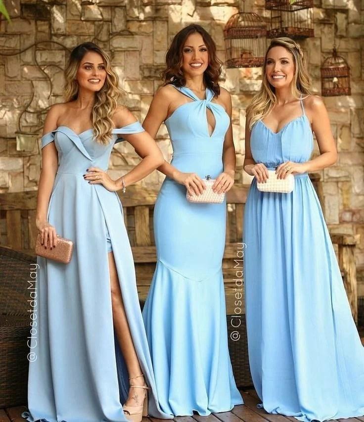 mulheres com vestido azul