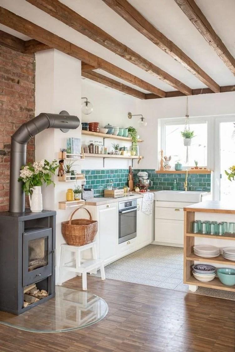 Cozinha simples.