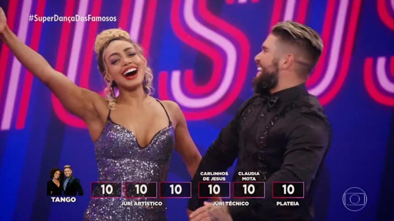 Dandara Mariana vence Viviane Araújo e vai para a final do Super Dança dos Famosos. Fonte: Reprodução