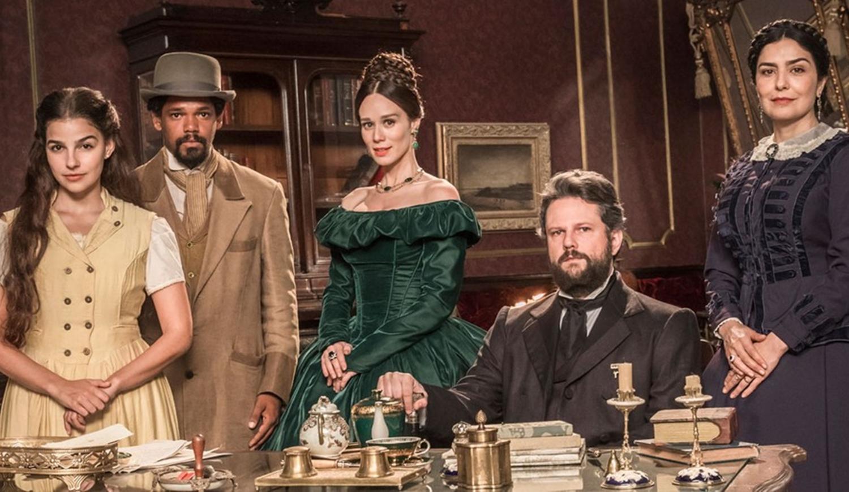 """Foto do elenco de """"Nos Tempos do Imperados""""."""