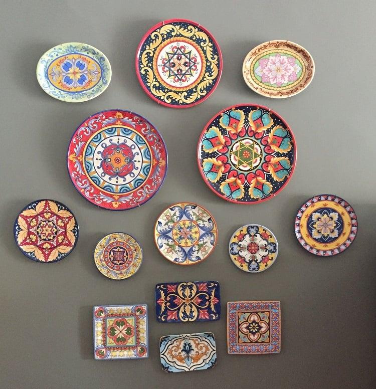 Foto de pratos coloridos