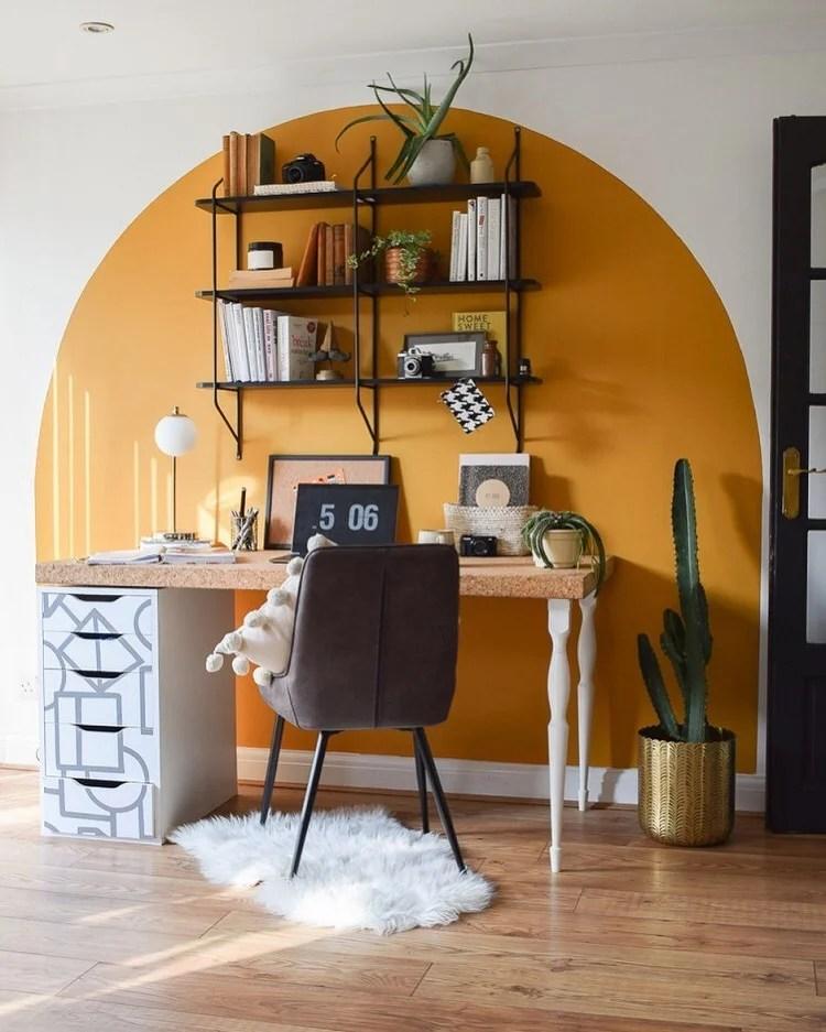 Foto de home office com pintura setorizada