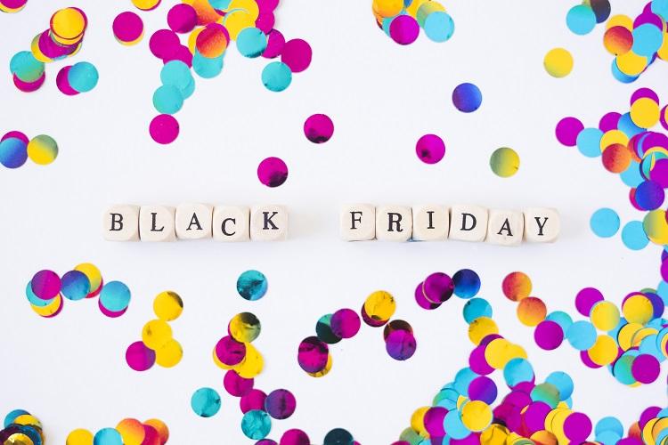 "Foto de miçangas dizendo ""Black Friday"""