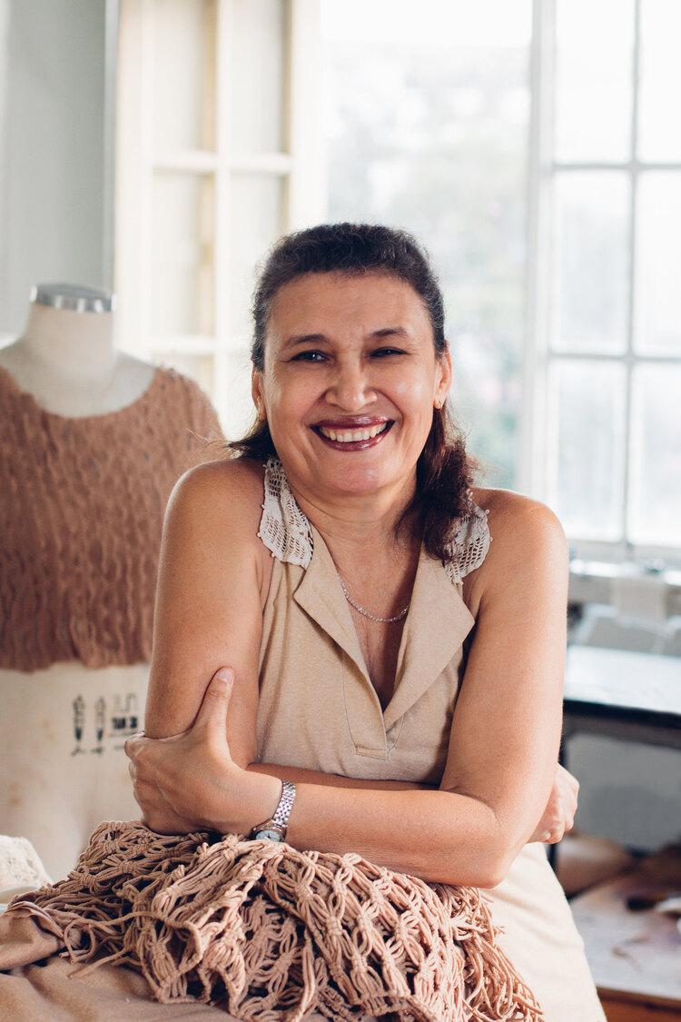 Mulher criadora do Natural Cotton Color.