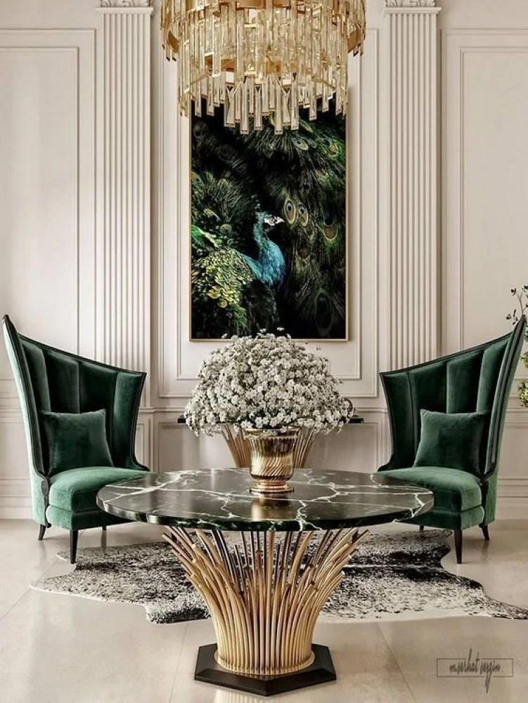 Sala de luxo com poltrona.