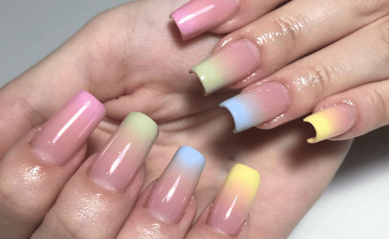 Tendências de Unhas 2022/ candy colors