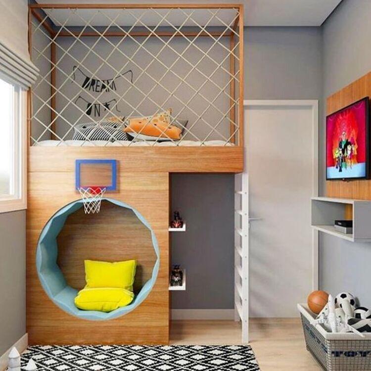 Ambientes infantis com quarto planejado.