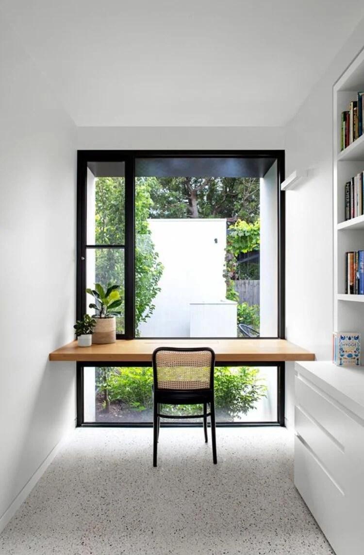 Escritório minimalista.