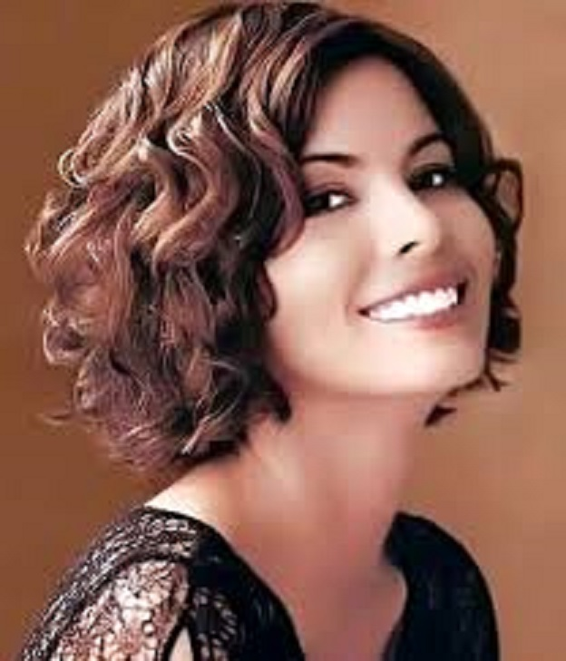 Find Latest Short And Long Curly Hairstyles For Girls In Winter