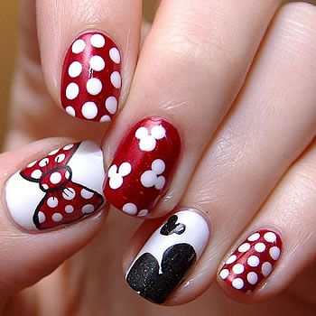 Here S Another Exle Of French Tip Nail Art Only This One Features Bination Black And White Design
