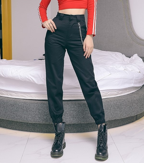Black Pants With Chain | Lisa – Blackpink