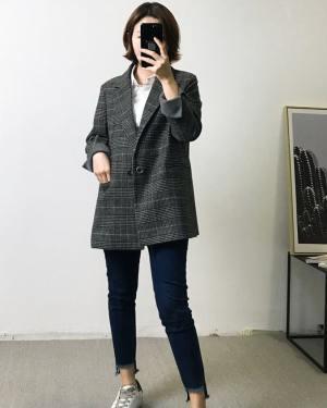 Grey Blazer Model
