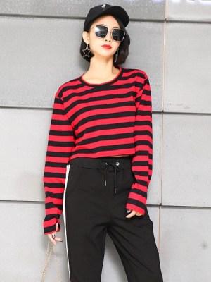 blackpink-lisa-red-black-striped-shirt3