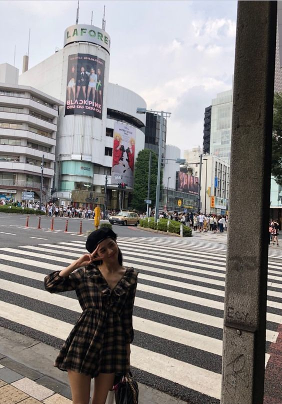 Checkered Dress   Jisoo – BlackPink