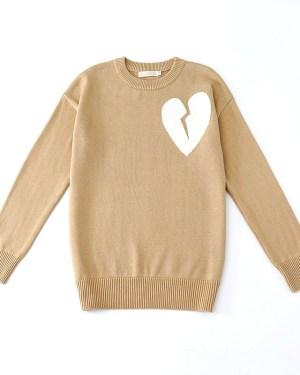 exo-chanyeol-beige-broken-heart-sweater