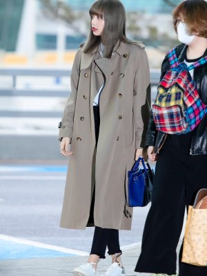Beige Airport Fashion Coat | Lisa – BlackPink