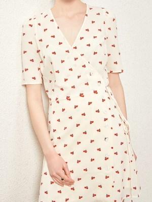 blackpink-jennie-beige-cherry-dress5
