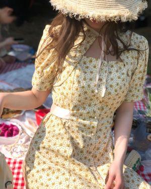 blackpink-jisoo-beige-flower-dress4