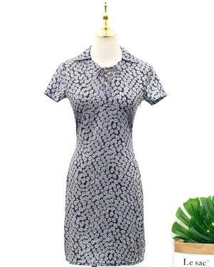 blackpink-lisa-grey-flower-dress