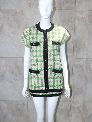 bts-taehyung-green-chic-vest2