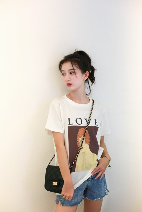 Woman Portrait T-Shirt | Rose – BlackPink