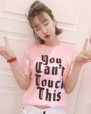 Yeri You Can't Touch This Tshirt (11)