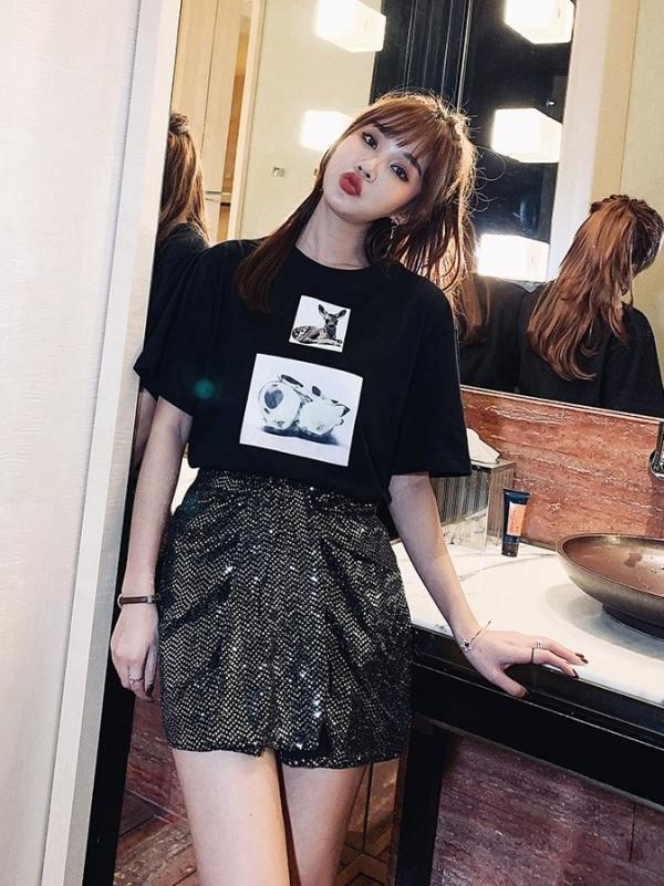 Red Deer Print T-Shirt   Jisoo – BlackPink