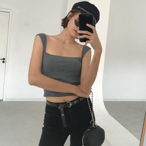 Wide Shoulder Strap Crop Top | Lisa – BlackPink